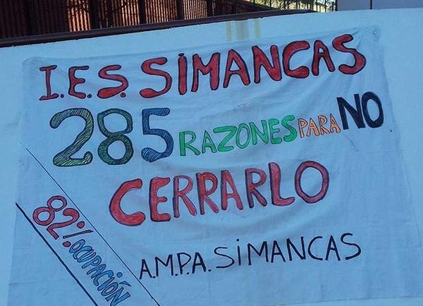 Cartel en protesta por el cierre del IES Simancas
